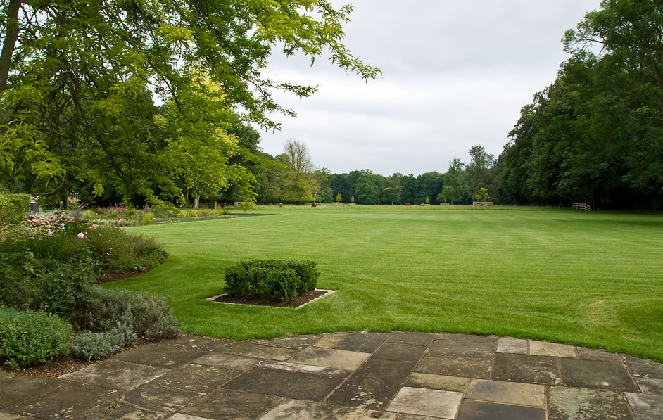 Acres Wild Georgian Grandeur Lawn