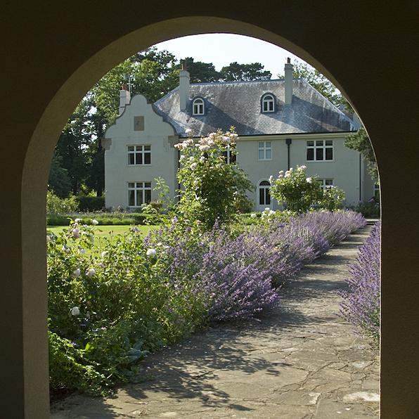 Acres Wild Edwardian Elegance Arch