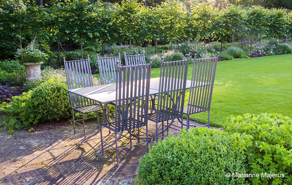 Acres Wild Edwardian Elegance Seating