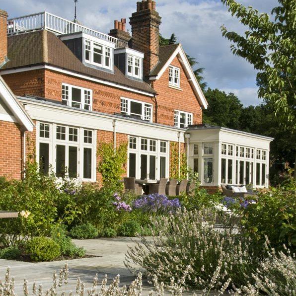 Acres Wild Surrey Serene House